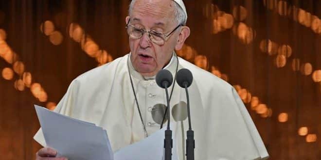 كلمة قداسة البابا فرنسيس التي ألقاها خلال لقاء الأخوة الإنسانية -%D9%81%D8%B1%D9%86%D8%B3%D9%8A%D8%B3-Pope-Francis-e1549633284875-660x330
